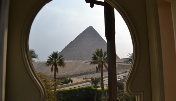 Ancient Egypt, The building of the great pyramid, i have an essay due tomorrow? help!!?