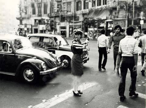 A female traffic officer (normally after-school volunteers) in the 1960s