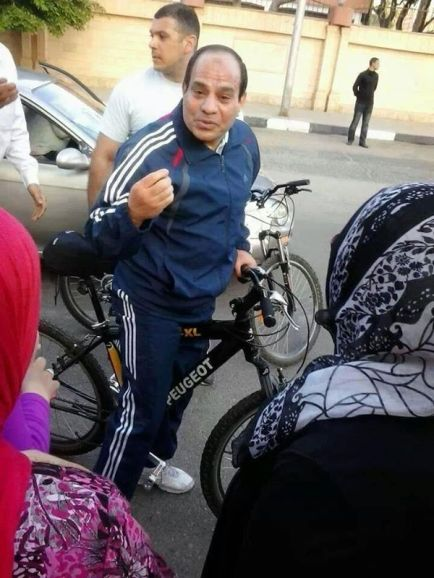Bodyguards along with the Presidential Candidate on his bike ride